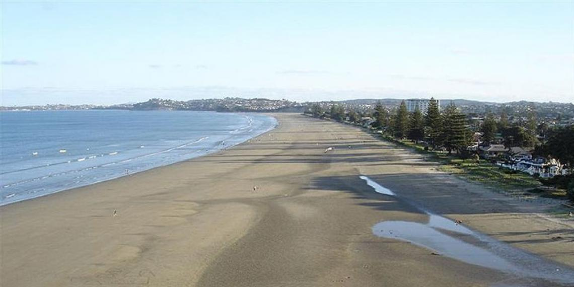 Hibiscus Coast beach