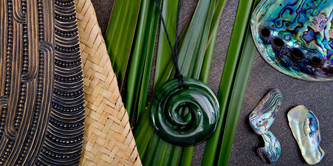 flax, pounamu and paua