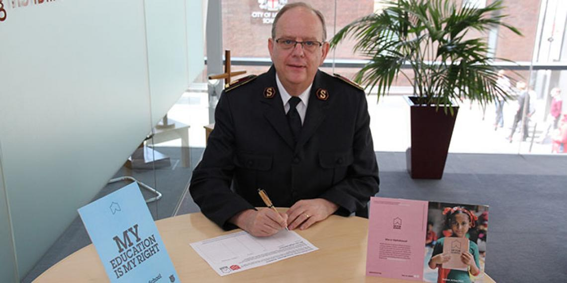 General André Cox has added his signature to the #UpForSchool petition demanding that world leaders take immediate action to get every girl and boy into school.