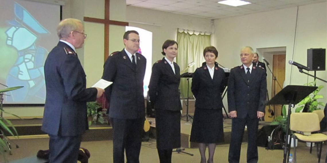 The Chief of Staff (Commissioner William Roberts) and Commissioner Nancy Roberts (World Secretary for Women's Ministries) inaugurate the new Russia Command.