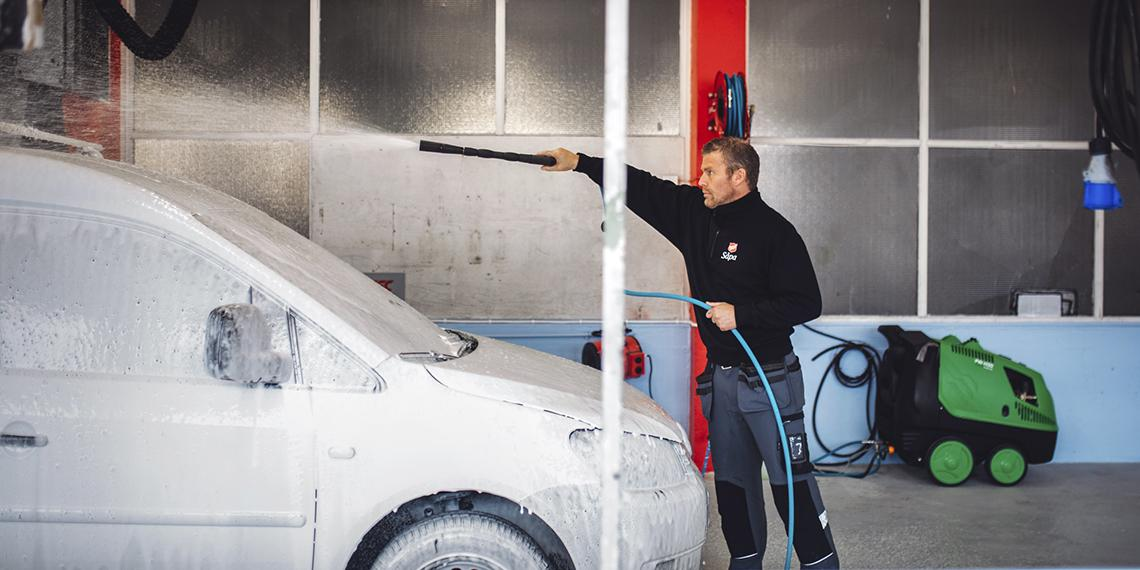 Salvation Army car wash in Norway