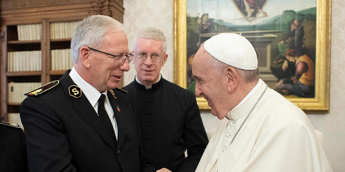 General Brian Peddle meets His Holiness Pope Francis
