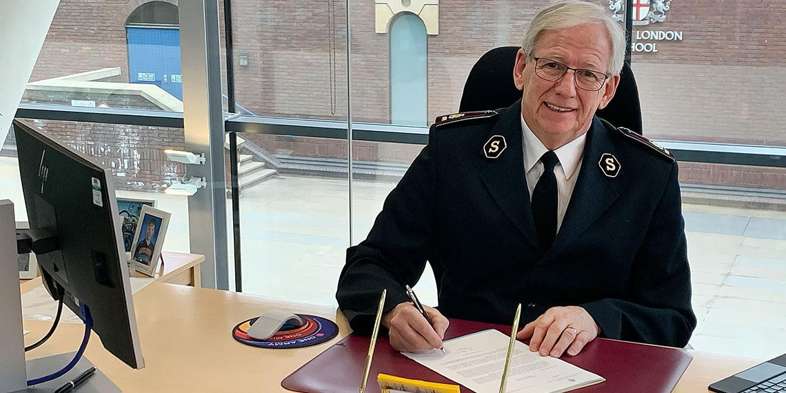 General Brian Peddle signs the petition